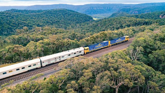 Indian Pacific, Murray River & Barossa Valley